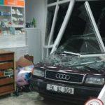 В Бельцах водитель протаранил аптеку (ФОТО)