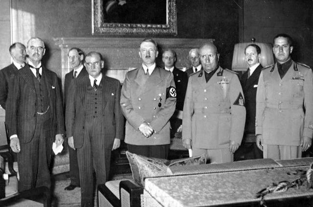 Сегодня — позор, завтра — война. Как Европа шла к Мюнхенскому сговору