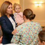 Благотворительный фонд первой леди оказал помощь еще трем нуждающимся семьям