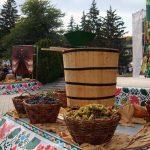 В эти выходные в центр столицы снова не попасть: на ПНВС отпразднуют День вина