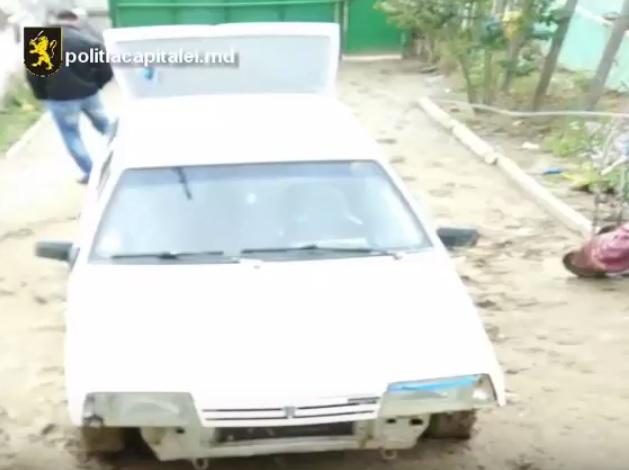 Молодые автоугонщики задержаны полицией Кишинева (ВИДЕО)