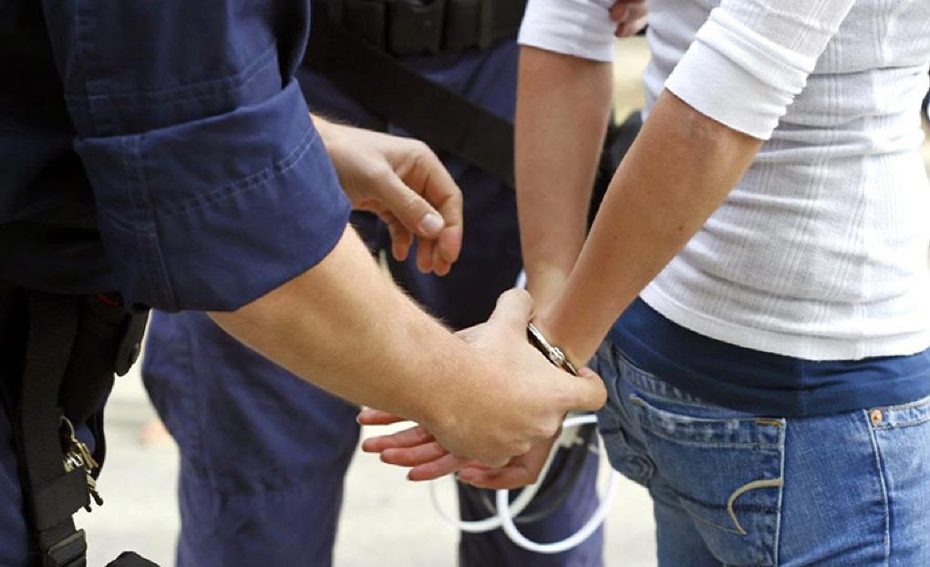 Полицейский-взяточник будет судим по четырем статьям обвинения