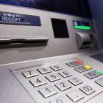 Внимание! Мошенники изобрели новый скотч-метод кражи денег у пользователей банкоматов (ФОТО)