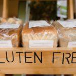 Без консервантов, глютена и ГМО. Как маркетологи обманывают покупателей