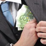 Управляющий процессом несостоятельности предприятия в Тараклии задержан сотрудниками НАЦ за взятку в 450 000 леев