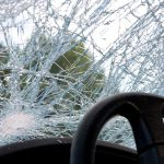 В Дрокии водитель уснул за рулем и врезался в дерево