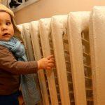 Малыши в столичном детском саду уже неделю мерзнут без отопления (ВИДЕО)