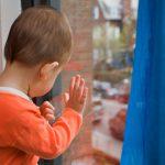 В Тирасполе 3-летний ребенок выпал из окна третьего этажа