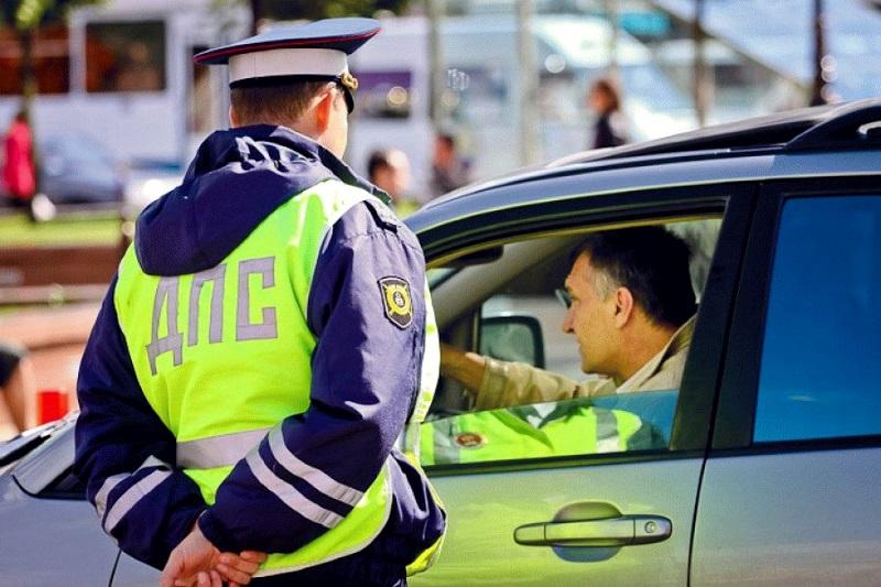 В России молдаванина осудили за попытку дать взятку дорожному полицейскому