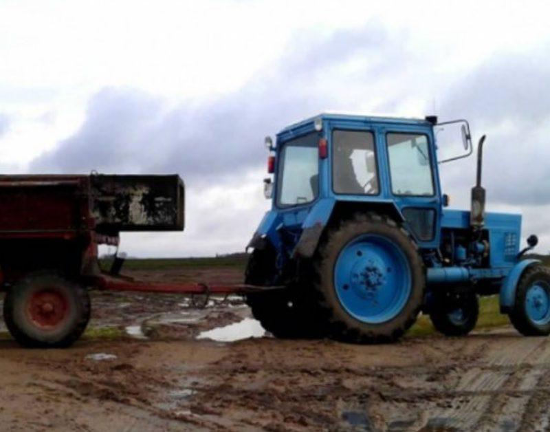 Не пить, не катать детей в тележках и быть внимательными: НИП даёт рекомендации водителям, перевозящим урожай