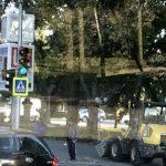 Новое тротуарное покрытие в центре столицы уже начали ремонтировать (ФОТО)