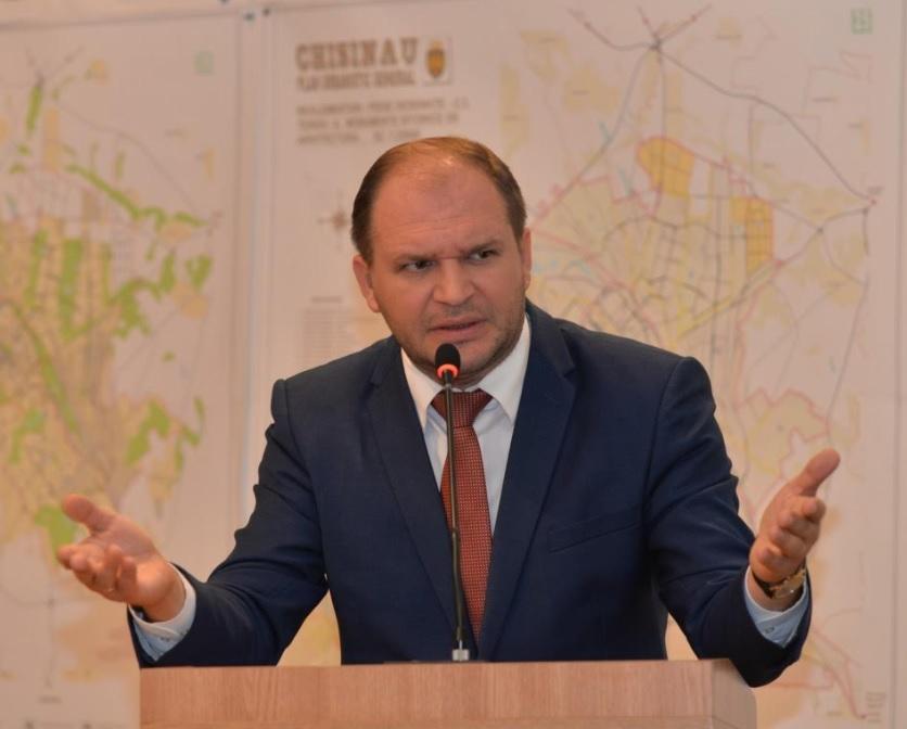 """Чебан – """"правой"""" оппозиции: Вы столько хотели досрочные выборы, можем начать с Кишинева"""