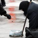 Двое жителей Кишинева заставляли людей заниматься попрошайничеством