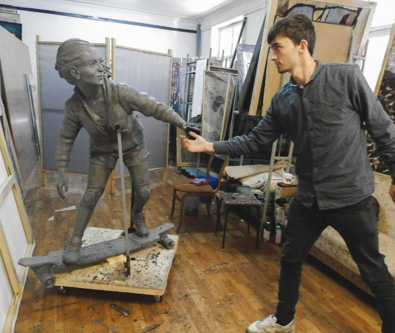 Ребята, скейт и собака: в Кишиневе появится очередная оригинальная скульптура (ФОТО)