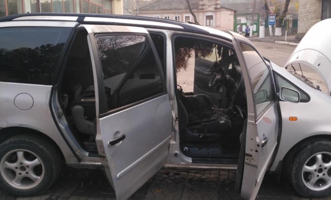 Автомобиль жителя Оргеева вспыхнул при движении (ФОТО)