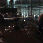 В столице водитель был госпитализирован с сотрясением головного мозга в результате серьезного ДТП (ФОТО)