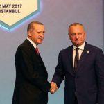 Додон поздравил Эрдогана с Днем Республики Турция