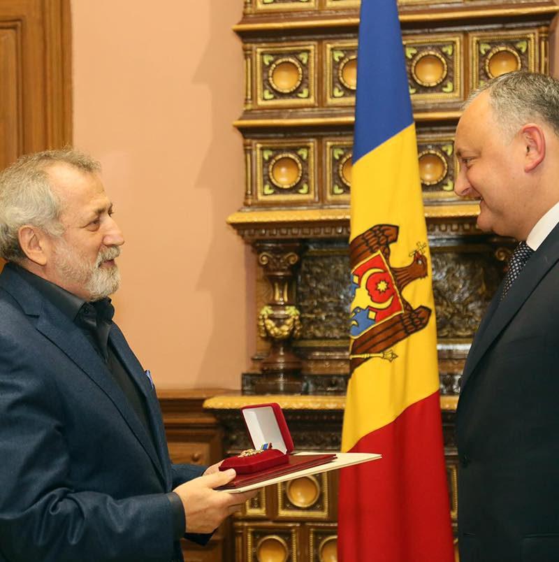 Президент наградил «Почетным Орденом РМ» знаменитого балетмейстера Бориса Эйфмана (ФОТО)