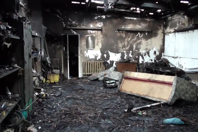 В Бендерах короткое замыкание привело к серьезному пожару в автомастерской