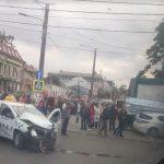Пассажир такси пострадал в аварии в Кишиневе (ВИДЕО)