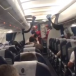 Пассажиры самолета Москва-Кишинев приветствовали аплодисментами президента (ВИДЕО)