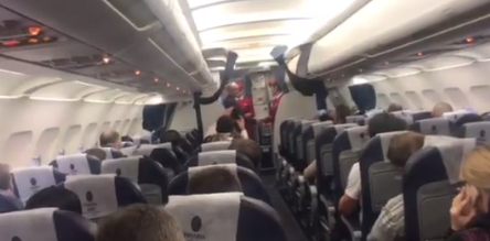 Passengers of Moscow-Chisinau flight welcomed the President by applause