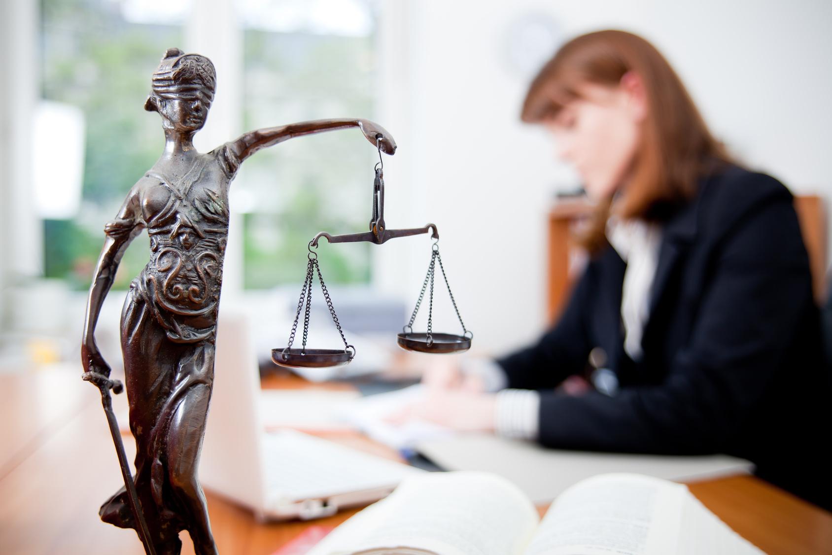 Судебные приставы будут изымать объявленные в розыск машины в течение трех дней