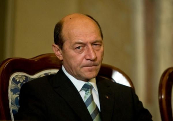 Бэсеску считает, что более половины граждан Молдовы нужно побить