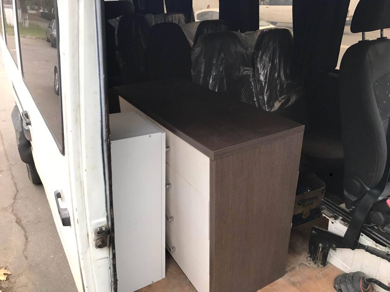 У кишиневца утащили два шкафа из подъезда во время переезда (ВИДЕО)