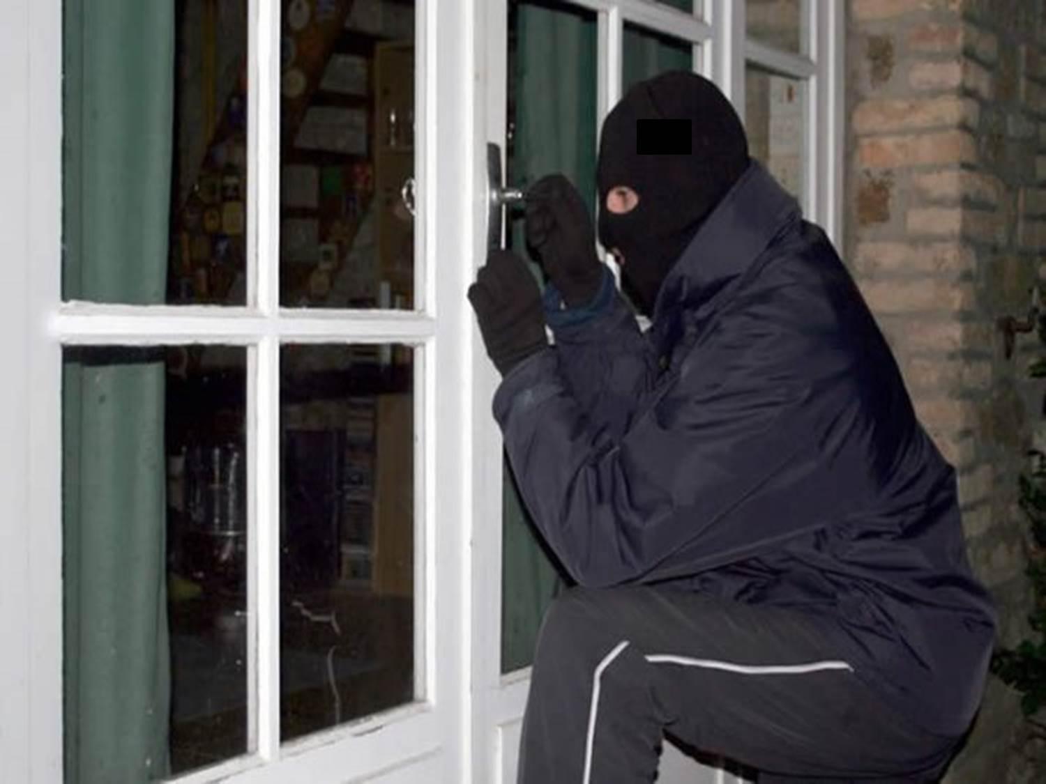 """Украинцы-""""гастролеры"""" и житель столицы обкрадывали квартиры кишиневцев (ВИДЕО)"""