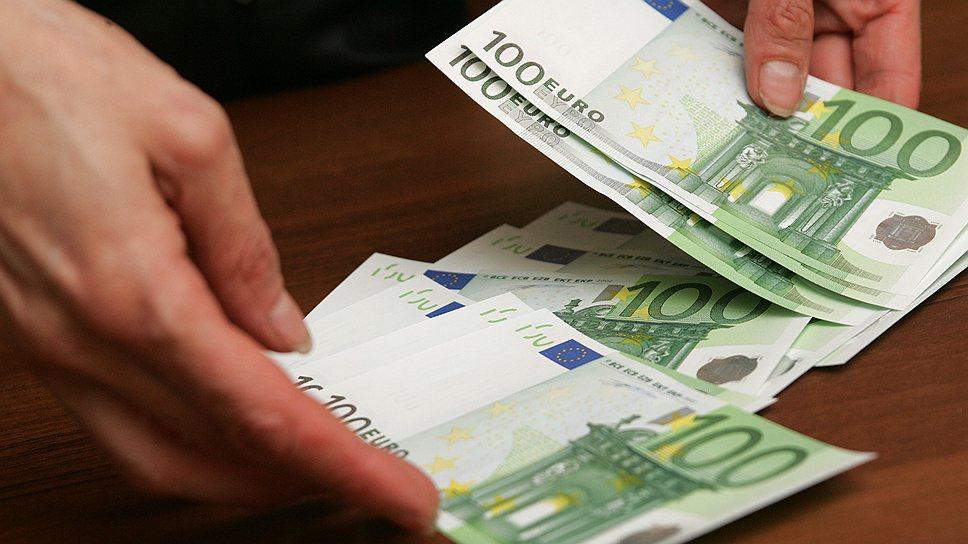 """Адвокат был пойман """"с поличным"""" с 5 тысячами евро взятки"""