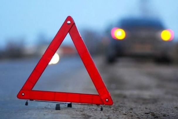 Авария на Ботанике: столкнулись пассажирский автобус и легковушка (ФОТО)