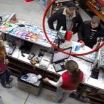 Двое мужчин присвоили себе чужой кошелек на одной из столичных АЗС (ВИДЕО)