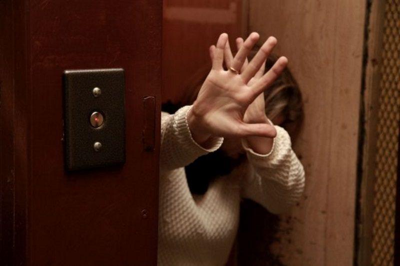 В Кишиневе схватили грабителя-рецидивиста, нападавшего на женщин в лифтах (ВИДЕО)