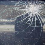 На Ботанике автомобиль сбил женщину, переходившую дорогу в неположенном месте (ВИДЕО)