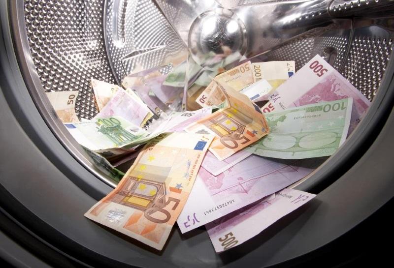 Трое граждан Молдовы осуждены в Великобритании за отмывание денег (ФОТО)