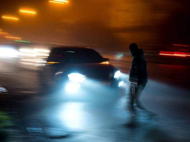 Вблизи Яловен мужчину насмерть сбил легковой автомобиль