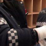 Недовольный автовладелец покусал столичного полицейского, изъявшего номерные знаки за неправильную парковку (ВИДЕО)