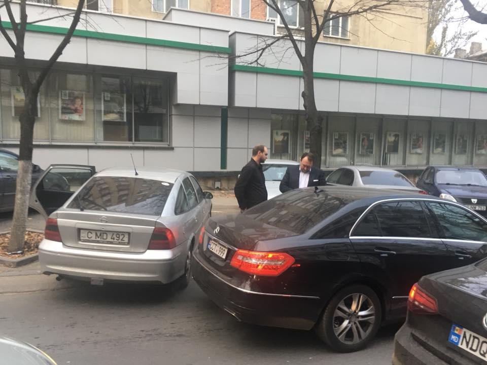 Экс-глава КС Константин Тэнасе попал в ДТП в Кишиневе (ФОТО)