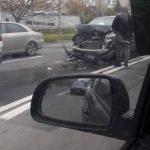 В Кишиневе в результате ДТП сильно пострадала легковушка