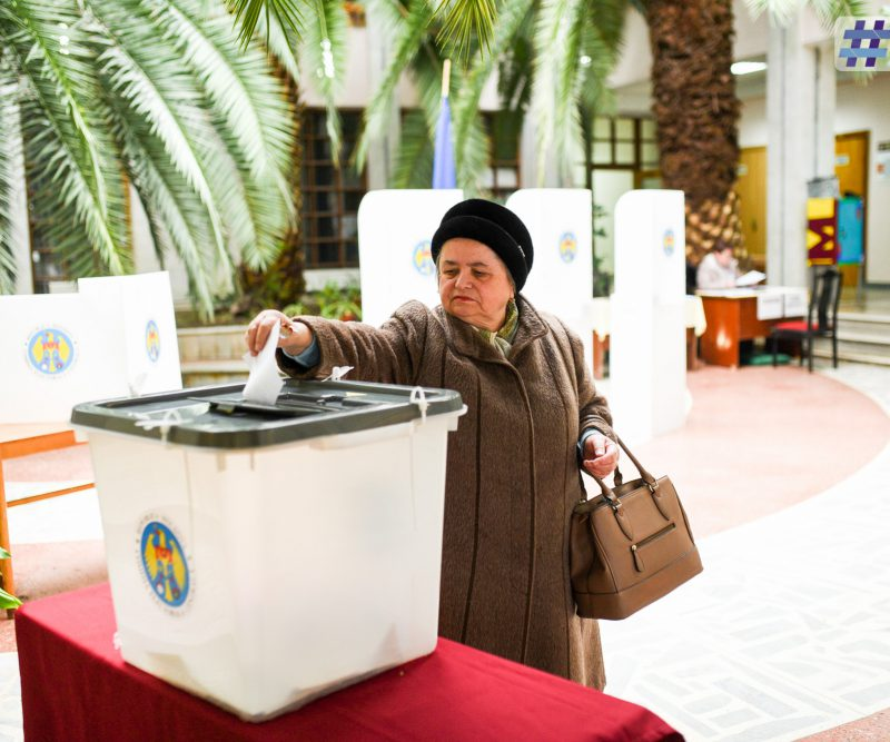 К 18.45 к избирательным урнам в Кишиневе вышли 105 270 человек
