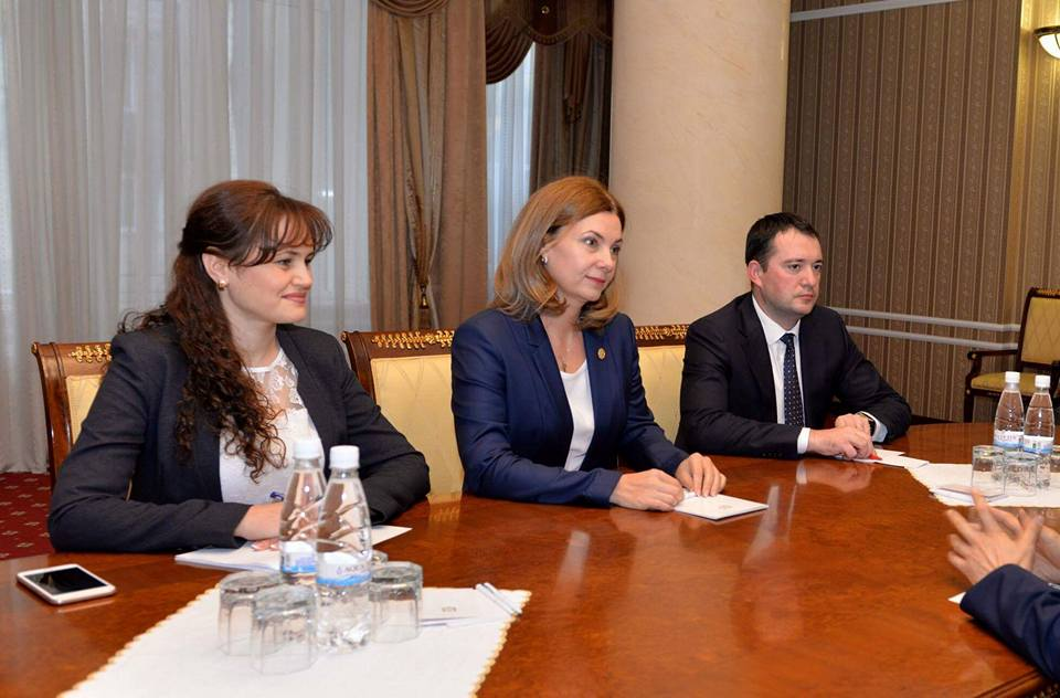 Первая леди встретилась с послом Китая в Молдове