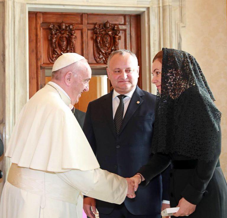 Igor Dodon s-a întâlnit cu Papa de la Roma