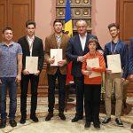 Прославившие Молдову на международных соревнованиях спортсмены получили почетные грамоты президента