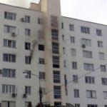 В Тирасполе загорелась многоэтажка: некоторым жильцам понадобилась медицинская помощь (ФОТО)