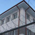 Сотрудник пенитенциара в Бендерах передавал заключенным телефоны
