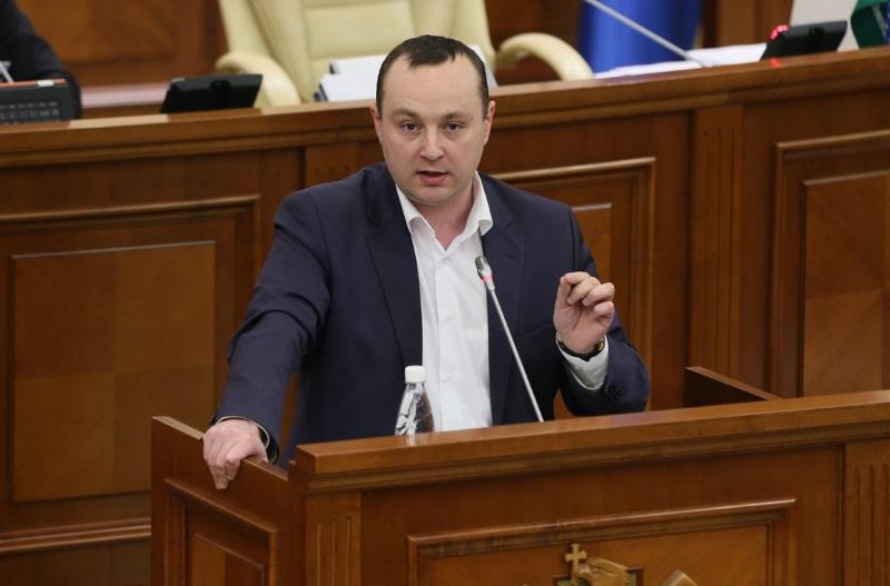 Батрынча предупредил Бэсеску: Из молдавского парламента его выведем в смирительной рубашке и белых тапочках