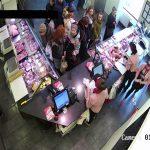 Полиция просит помощи граждан в установлении личности грабительницы (ВИДЕО)