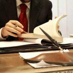 Столичный адвокат заполучил 14,5 тысяч евро от клиента, пообещав оказать влияние на судей