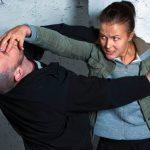 В Комрате 18-летняя девушка дала отпор напавшему на нее грабителю